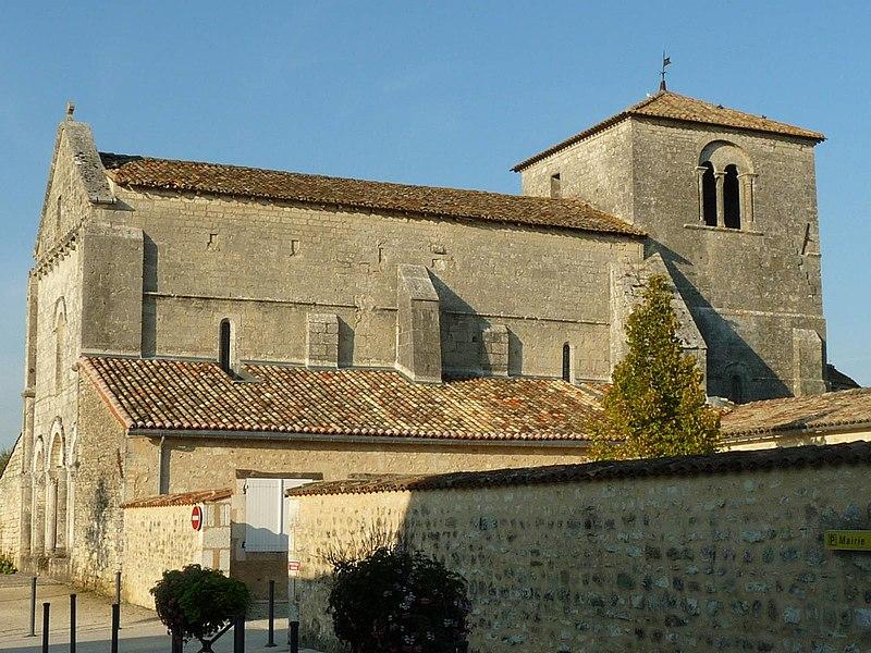 Photo du Monument Historique Eglise Saint-Pierre situé à Fléac