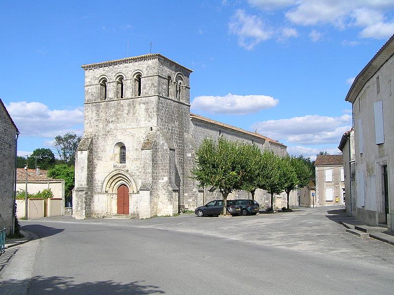 Photo du Monument Historique Eglise Saint-Pierre-des-Martyrs situé à Genac