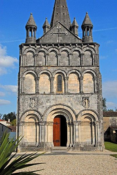 Photo du Monument Historique Eglise Saint-Martin situé à Gensac-la-Pallue