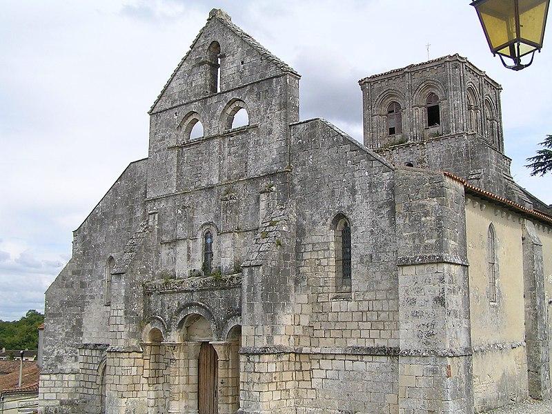 Photo du Monument Historique Eglise Saint-Médard situé à Genté