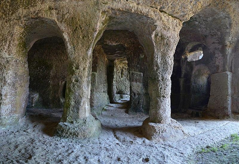 Photo du Monument Historique Eglise souterraine monolithe dite chapelle Saint-Georges situé à Gurat