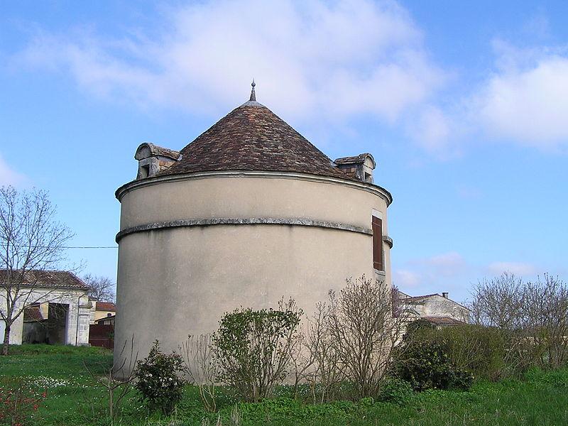 Photo du Monument Historique Logis de Nanclas situé à Jarnac
