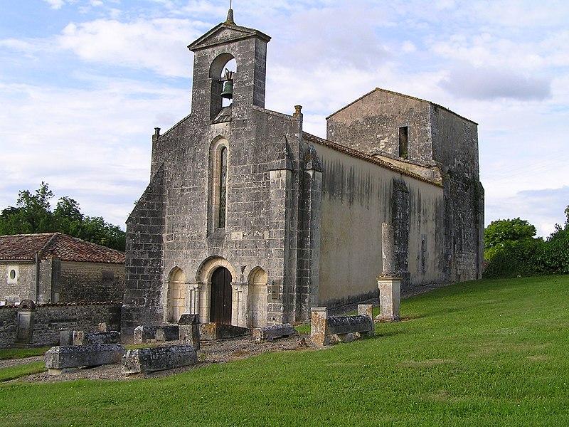 Photo du Monument Historique Eglise Saint-Pierre de Sonneville situé à Lignières-Sonneville