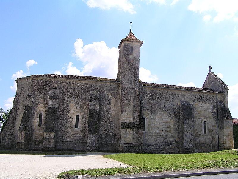 Photo du Monument Historique Eglise Saint-Pierre situé à Linars