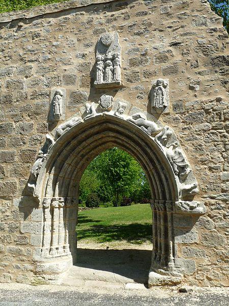 Photo du Monument Historique Ancienne église Saint-Pierre situé à Le Lindois