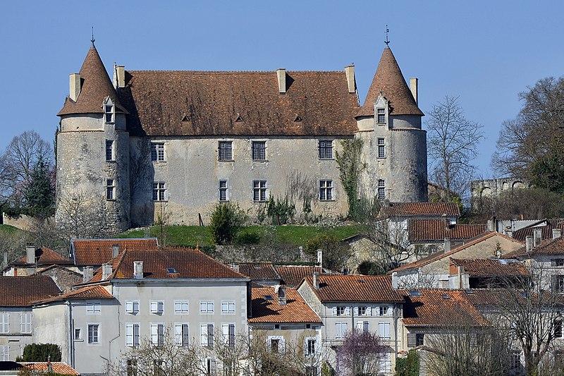 Photo du Monument Historique Château situé à Montmoreau-Saint-Cybard