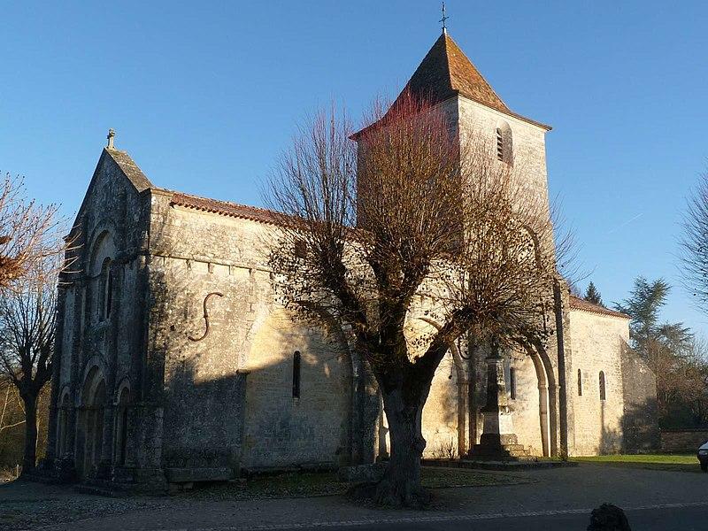 Photo du Monument Historique Eglise Saint-Martial situé à Mouton