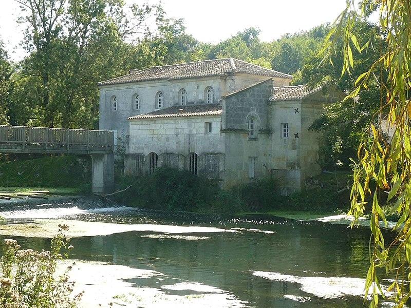 Photo du Monument Historique Moulin à papier de Fleurac situé à Nersac