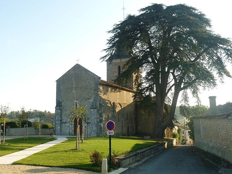 Photo du Monument Historique Eglise Saint-Hilaire situé à Nonac