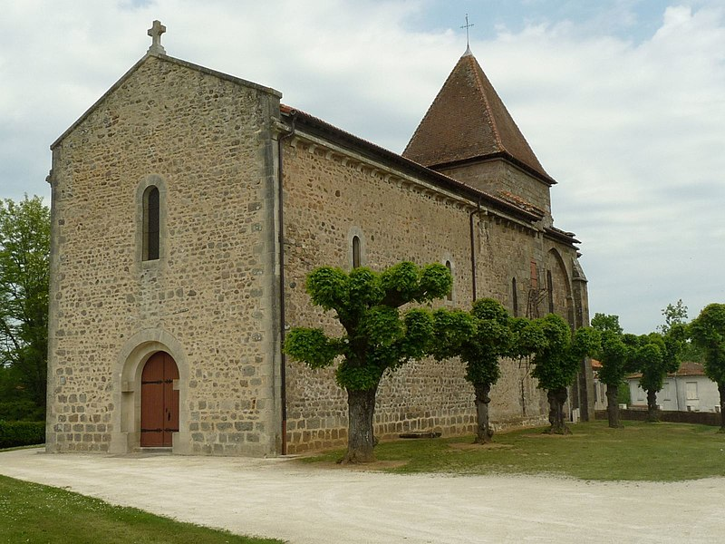 Photo du Monument Historique Eglise Saint-Martin situé à Oradour-Fanais