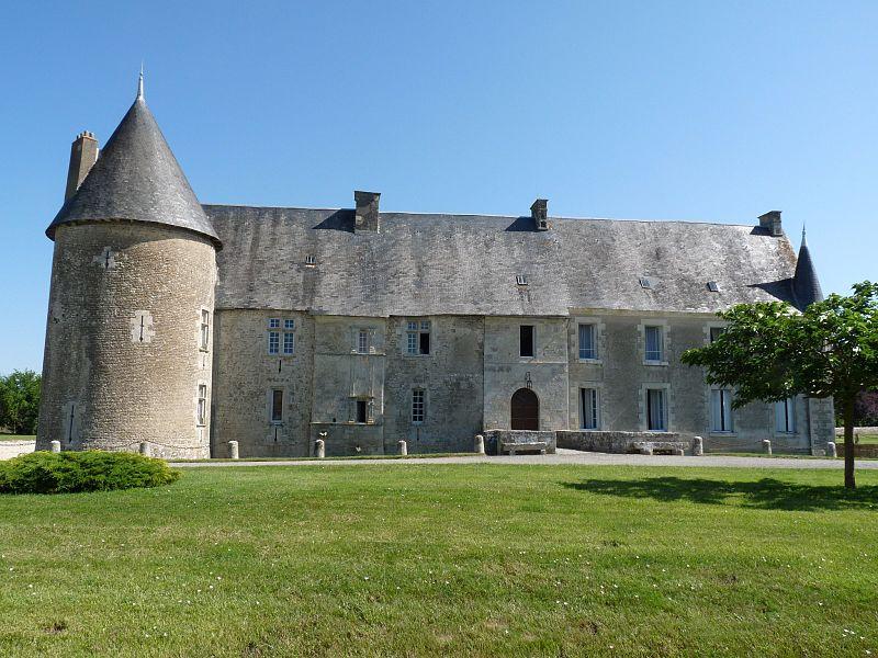Photo du Monument Historique Château de Saveille situé à Paizay-Naudouin-Embourie