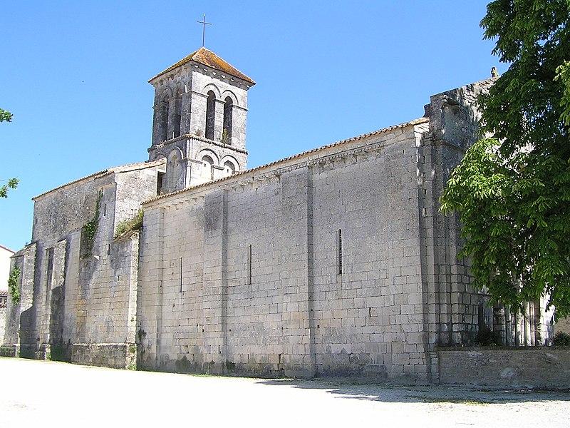 Photo du Monument Historique Eglise Saint-Hippolyte situé à Plaizac
