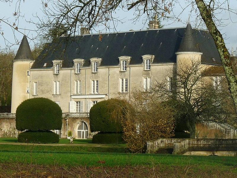 Photo du Monument Historique Château de Saint-Brice situé à Saint-Brice