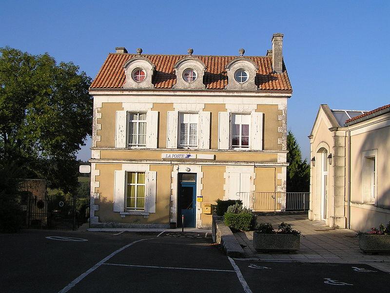 Photo du Monument Historique Ancien presbytère situé à Sers