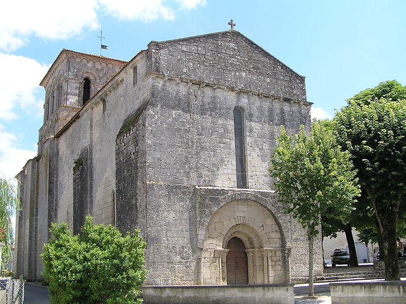 Photo du Monument Historique Eglise Saint-Martin situé à Sigogne