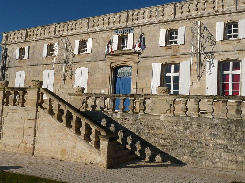 Photo du Monument Historique Vieux logis du 18e siècle situé à Sireuil