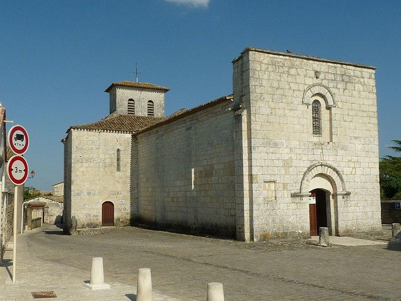Photo du Monument Historique Eglise de Saint-Mathieu situé à Soyaux