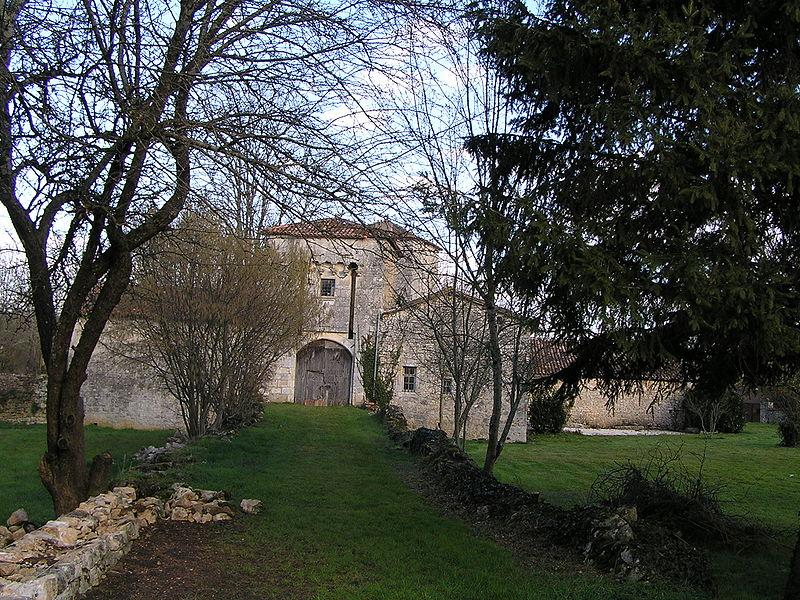 Photo du Monument Historique Château situé à Vilhonneur