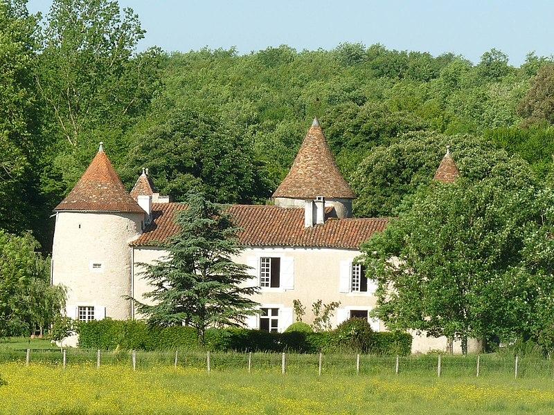 Photo du Monument Historique Logis de Rochebertier situé à Vilhonneur