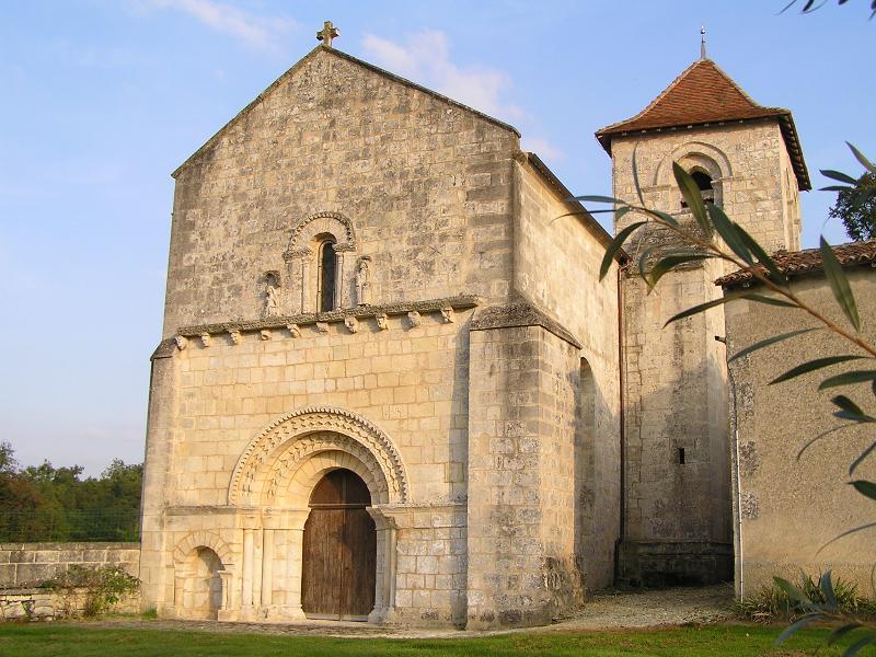 Photo du Monument Historique Eglise Saint-André situé à Louzac-Saint-André