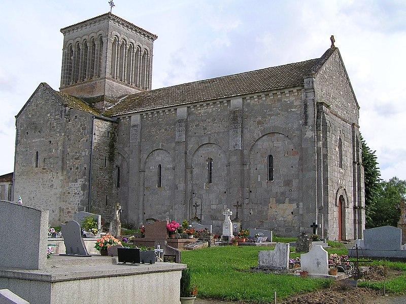 Photo du Monument Historique Eglise Saint-Pierre situé à Passirac