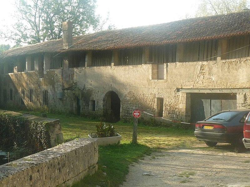 Photo du Monument Historique Moulin à papier du Verger situé à Puymoyen