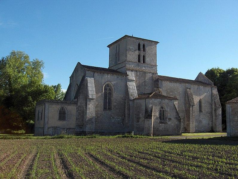 Photo du Monument Historique Eglise Saint-Pierre situé à Angeac-Charente