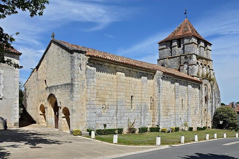 Photo du Monument Historique Eglise Saint-Jean-Baptiste situé à Grassac