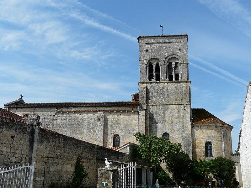 Photo du Monument Historique Eglise Saint-Christophe situé à Vindelle