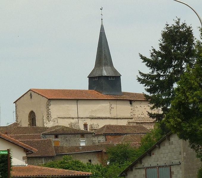 Photo du Monument Historique Eglise Saint-Pierre situé à Brillac