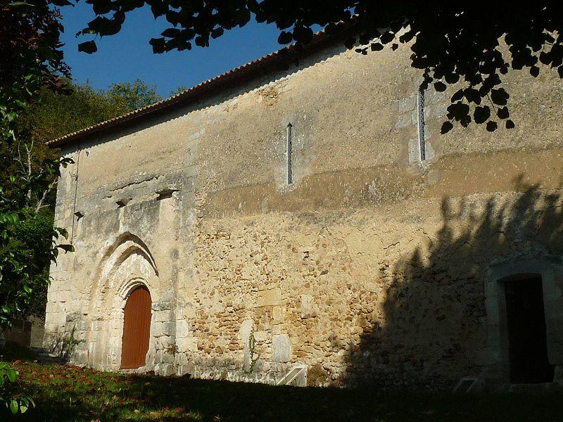 Photo du Monument Historique Eglise Saint-Pierre situé à Rougnac