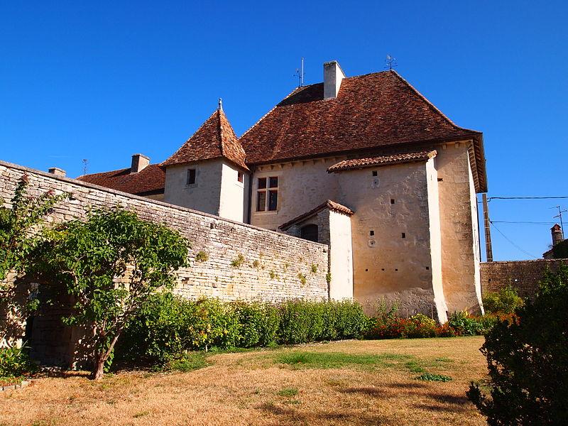Photo du Monument Historique Château de Cellettes situé à Cellettes