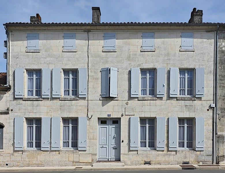 Photo du Monument Historique Maison natale de François Mitterand situé à Jarnac