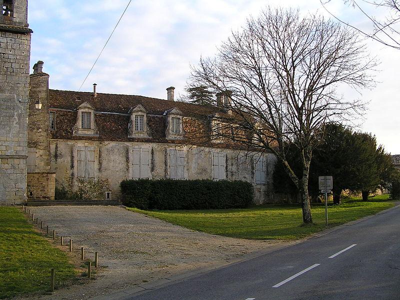 Photo du Monument Historique Château de Bouëx situé à Bouëx