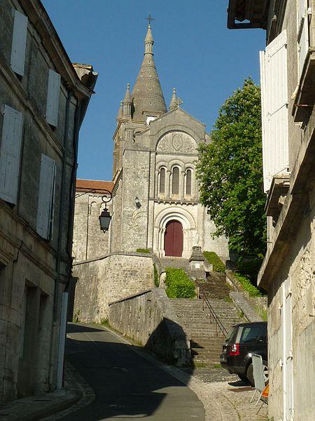 Photo du Monument Historique Eglise Saint-Romain situé à Villebois-Lavalette