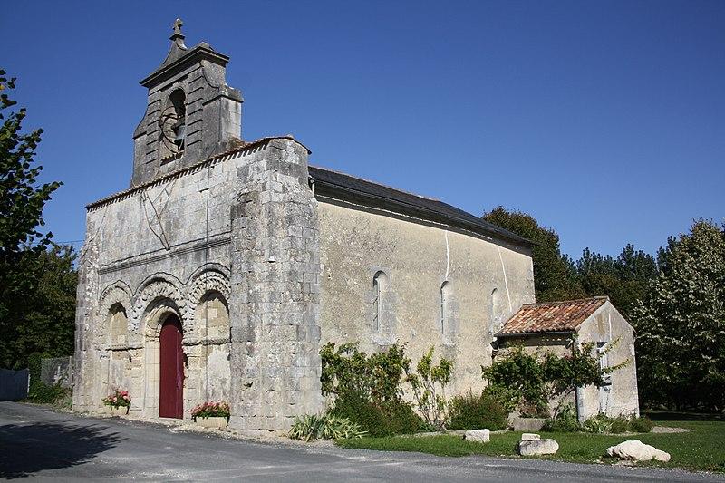 Photo du Monument Historique Eglise Saint-Maxime d'Antezant situé à Antezant-la-Chapelle