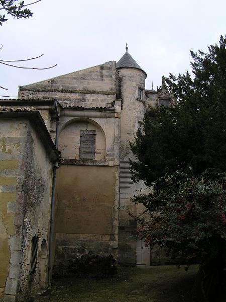 Photo du Monument Historique Château situé à Burie