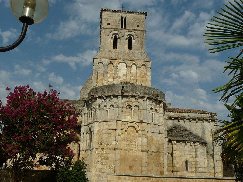Photo du Monument Historique Eglise Saint-Pierre situé à Champagnolles