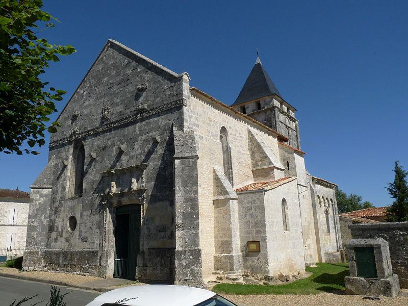 Photo du Monument Historique Eglise Saint-André situé à Clion