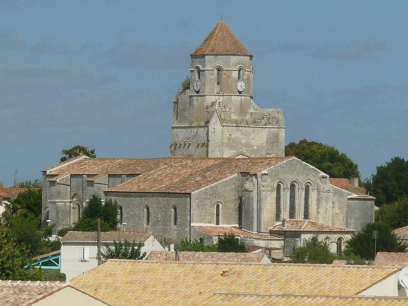 Photo du Monument Historique Eglise Saint-Pierre situé à Cozes