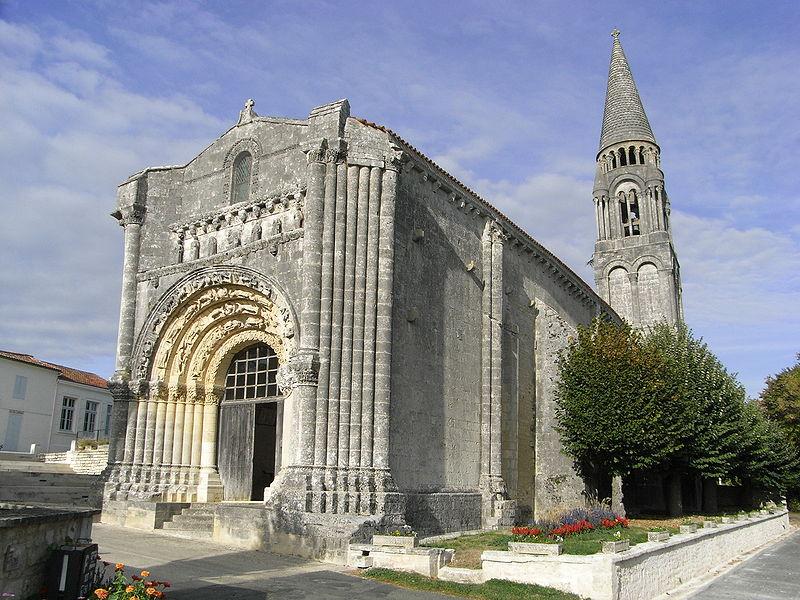 Photo du Monument Historique Eglise Notre-Dame situé à Fenioux