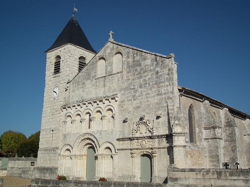 Photo du Monument Historique Eglise Saint-Martin situé à Fontaines-d'Ozillac