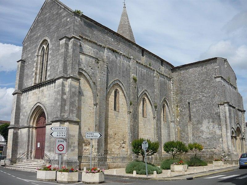 Photo du Monument Historique Eglise Saint-Pierre situé à Gémozac