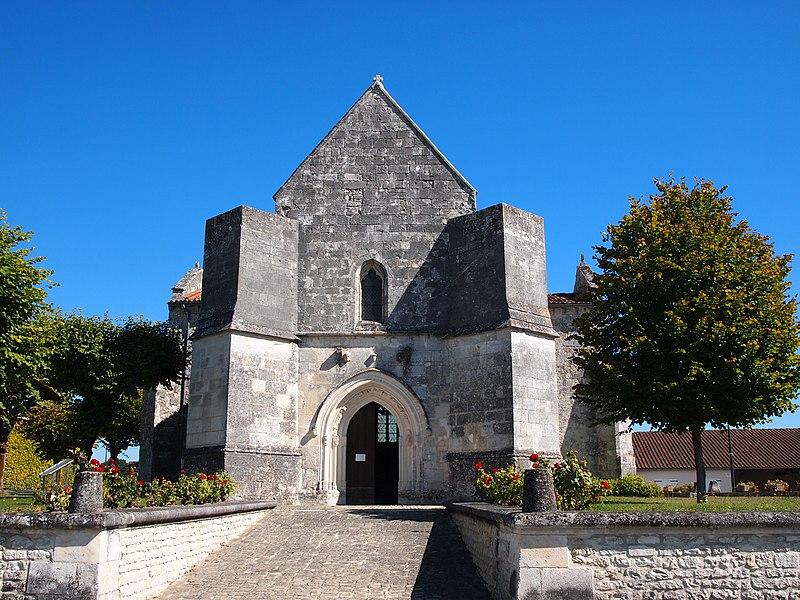 Photo du Monument Historique Eglise Saint-Pierre situé à Germignac