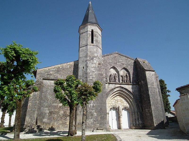 Photo du Monument Historique Eglise Saint-Symphorien situé à Grézac