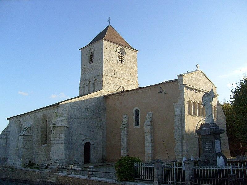 Photo du Monument Historique Eglise Saint-Pierre-ès-Liens situé à Lorignac