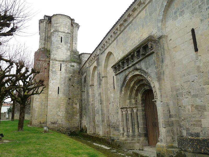 Photo du Monument Historique Eglise Saint-Etienne£ situé à Macqueville