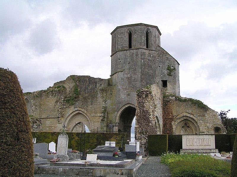 Photo du Monument Historique Ancienne église Saint-Etienne situé à Marans