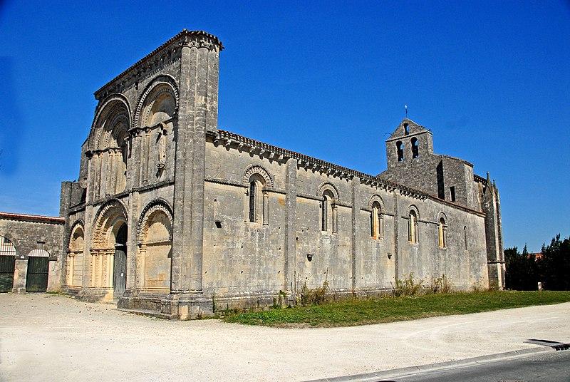 Photo du Monument Historique Eglise Saint-Herie situé à Matha