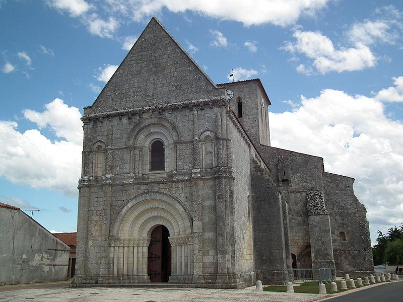 Photo du Monument Historique Eglise Saint-Martin situé à Meursac